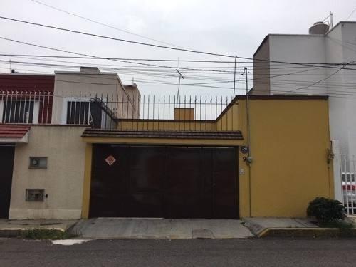 Linda Casa En 1 Piso En Fracc Cerrado 2 Rec 2 Baños 2 Autos