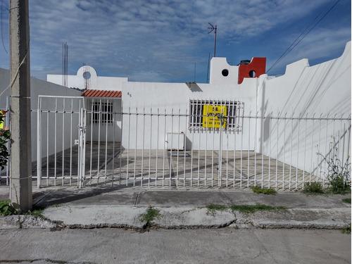 Imagen 1 de 14 de Casa En Colonia Snte Calle Cerrada Con Vigilancia