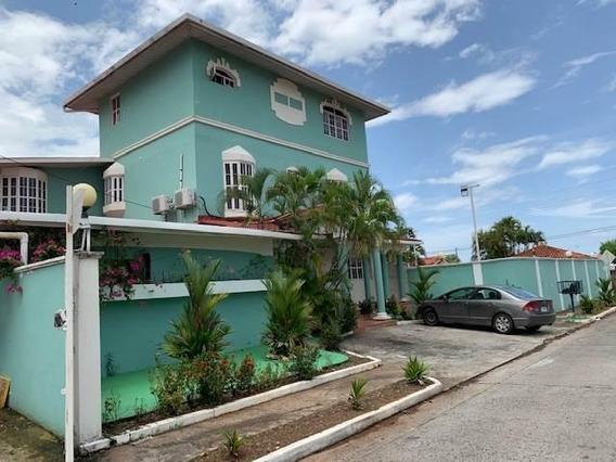 Vendo Casa #10-6027 **hh** En Juan Diaz