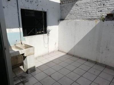 Renta Planta Alta En Jardines De Gpe - 1068007001
