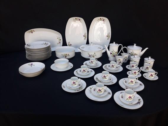 Un Exquisito Juego De 48 Piezas En Porcelana Verbano