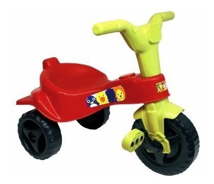 Motoca Infantil Triciclo Pedal Manual 18 Meses Veremelho