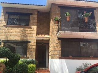 Hermosa Casa En Venta En Fracc. Villas Del Meson Juriquilla Qro. Mex