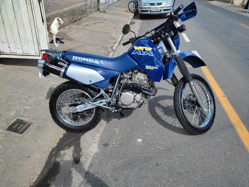 Imagem 1 de 5 de Honda 1991