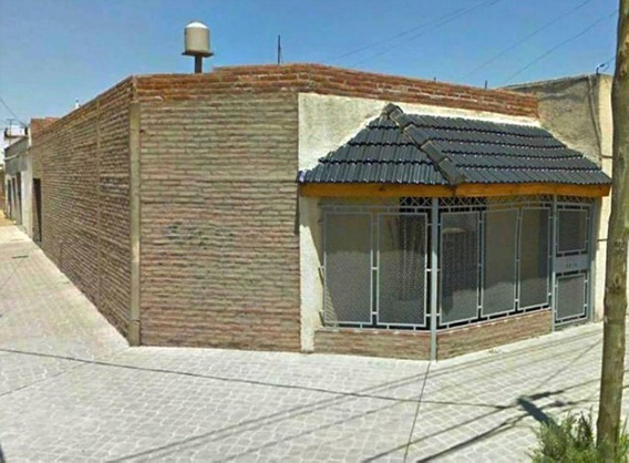 San Justo: Casa En Ph 3 Ambientes Con Patio Y Cochera