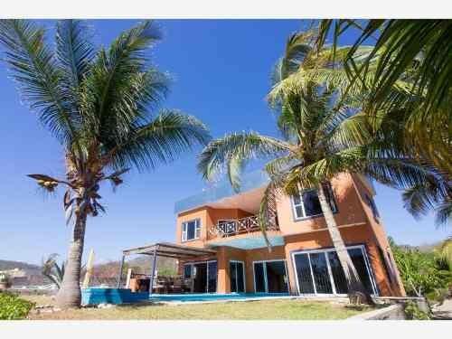 Casa Sola En Venta Playa El Mojon