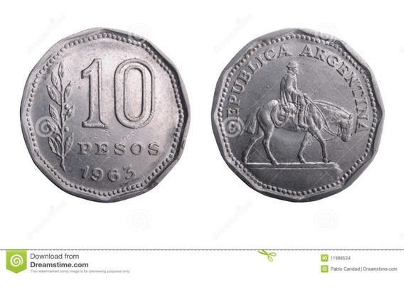 Moneda Vieja De Argentina Con La Estatuilla Del Gaucho
