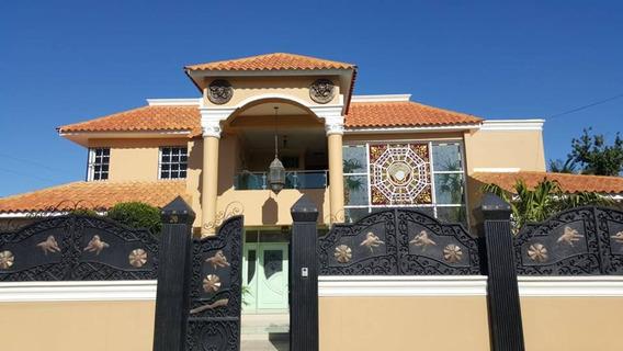 Hermosa Casa En Caperuza Ii