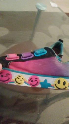 zapatillas skechers emoji