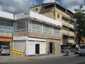 Local Comercial En Alquiler En Los Chaguaramos 21-8846 Adriana