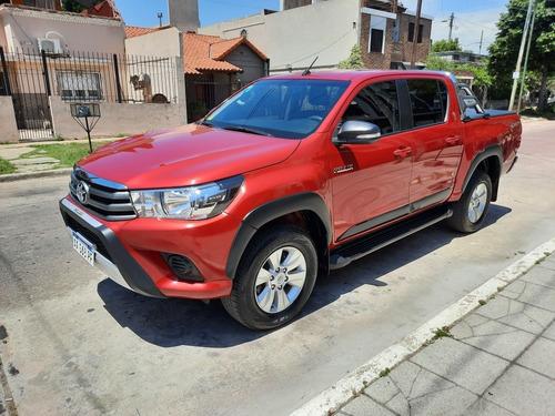 Toyota Hilux 2.8 Cd Sr 177cv 4x4 2017