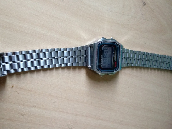 Relógio Digital Anos 90 Com Pulseira De Ferro