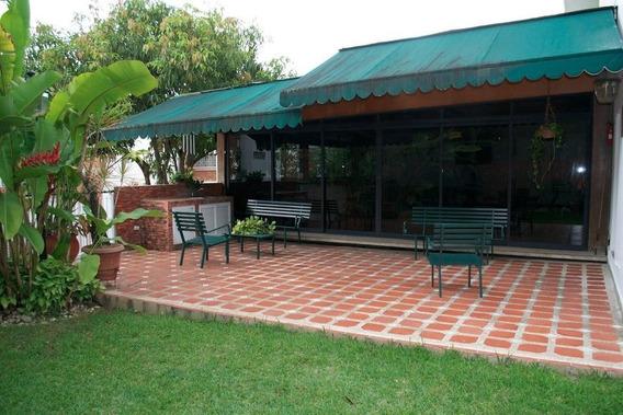 Apartamento En Venta, Cumbres De Curumo, 844 Mts,