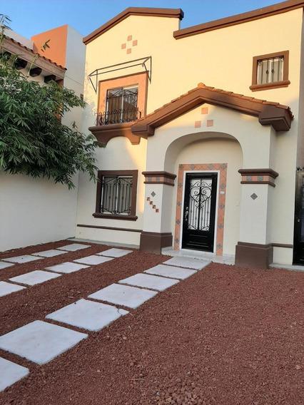 Casa - Fraccionamiento Valencia
