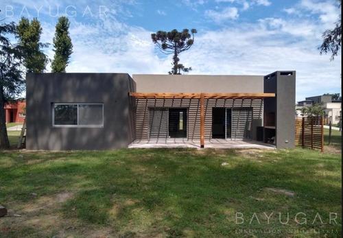 Venta  Casa A Estrenar En Pilar Del Este  Bayugar Negocios Inmobililarios