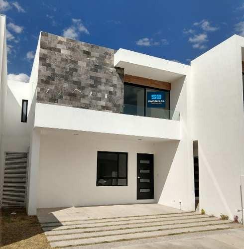 Casa En Venta En Altania Residencial