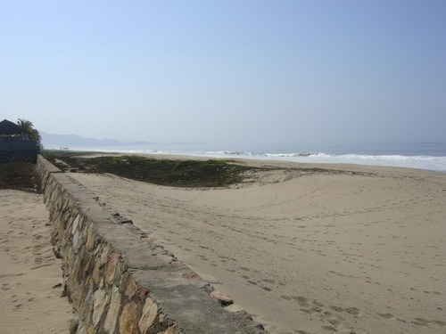 Terreno En La Colonia Poblado La Playa (los Mogotes)