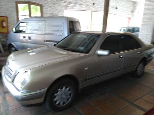 Mercedes Benz  E 220cdi