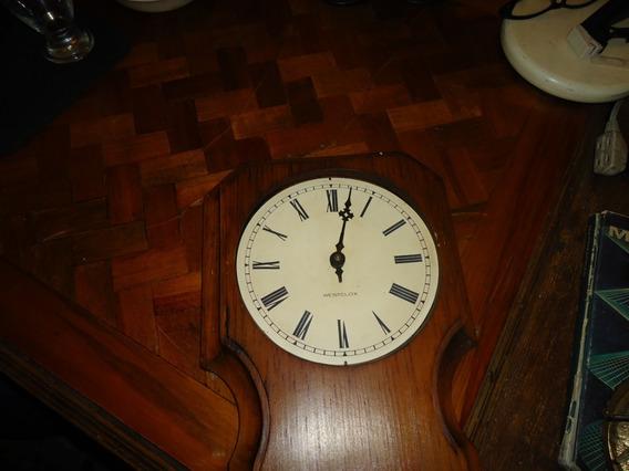 Reloj Viejo De Pared De Pila