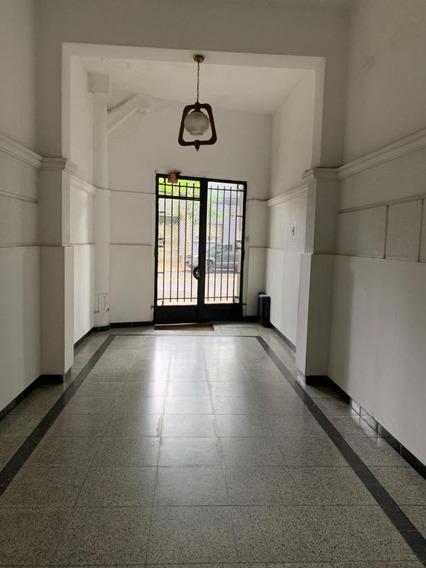 Aguada Apartamento De 3 Dormitorios A Reciclar, Ideal Inversionistas