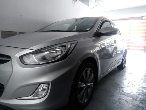 Hyundai Accent Full Sport Con Sunroof