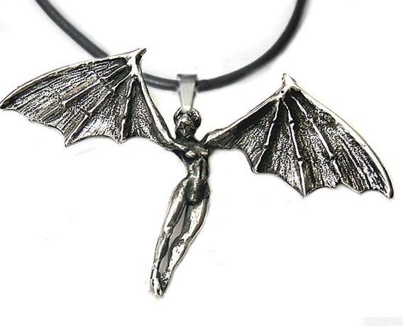 Colar Gótico Com Vampira Mulher Morcego Batgirl