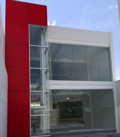 Edificio Renta 1er Anillosur Esq Avenida Gomez Morin