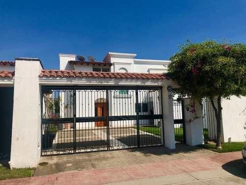 Casa Amueblada En Venta, Condominio En Nuevo Vallarta - Villas Esmeralda
