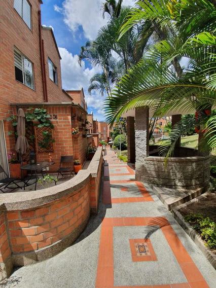 Casa En La Loma De Los Bernal