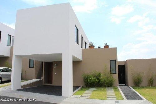 Casa En Renta En Zibata, El Marques, Rah-mx-20-646