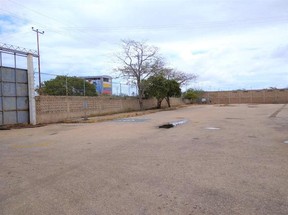 Galpon En La Entrada De Punta De Pidras