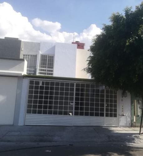 Imagen 1 de 9 de Se Vende Casa En Colinas Del Sur, 4 Recamaras, Una En Pb, A