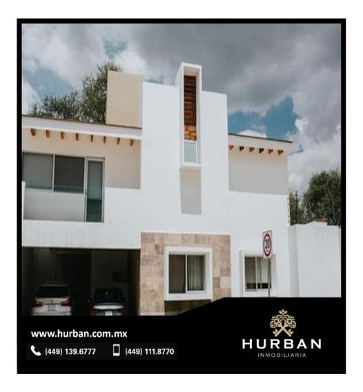 Hurban Vende Casa En Pequeño Coto Al Norte.