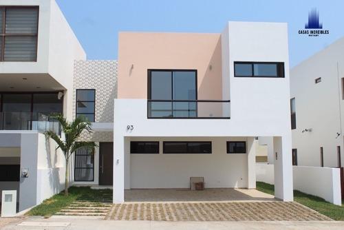 Preciosa Casa En Punta Tiburon, Excelentes Acabados!