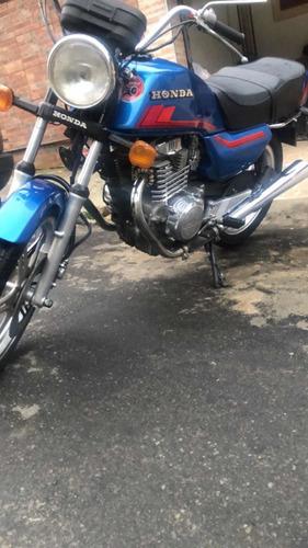 Imagem 1 de 11 de Honda Cb400 1