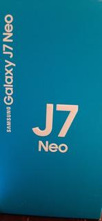 Celular Samsung Galaxy J7 Neo 16 Gb Plateado Con Accesorios
