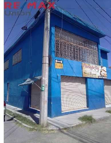 Casa En Venta Con Locales Comerciales