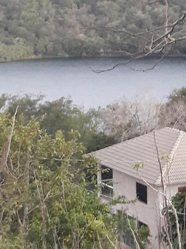 Imagem 1 de 14 de Chácara Beira De Lago Com 3 Casas E Um Sobrado Misto