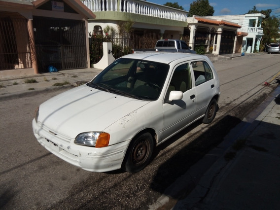 Vendo Toyota Starlet 2001 Blanco - 5 Puertas