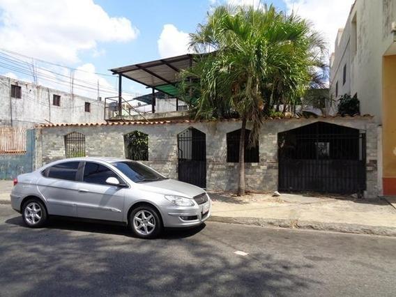 Casa En Venta En Acarigua Centro 19-8136 Rb