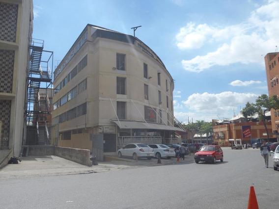 Galpon Industrial En Venta Boleita Norte 17-15322