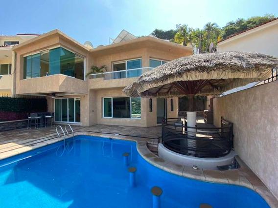 Hermosa Casa Con Vista A La Bahía, Zona Exclusiva