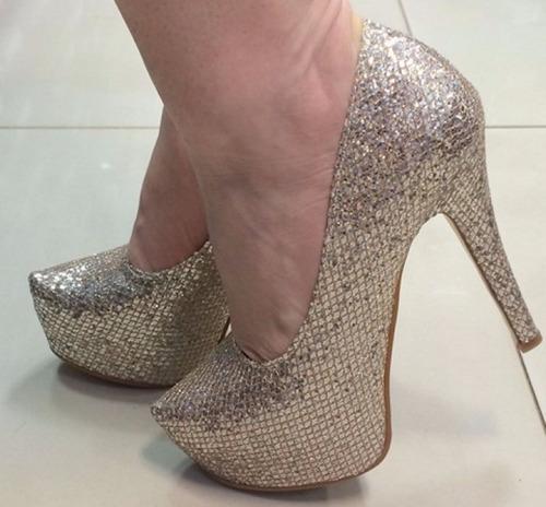 b5631e0d2 Sapato Dourado Salto Brilhante Alto Feminino - Sapatos com o ...
