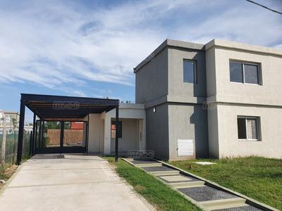 Casa En Venta, 3 Dormitorios, Casas De Santa Ana, Villanueva