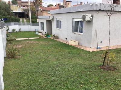 Oportunidad!! Barrio Becciu! Casa De Tres Dormitorios!