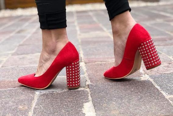 Stilettos Zapatos Gamuzados Con Taco Palo Con Tachas