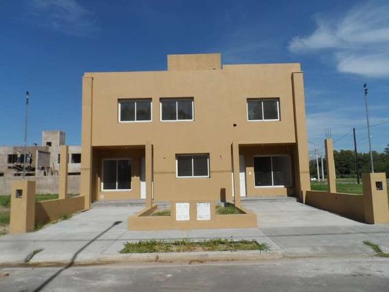 La Paya- Al Lado De Tejas Ii.duplex Tres Dormitorios ,todos Los Ambientes Separados Muy Buenos Espac