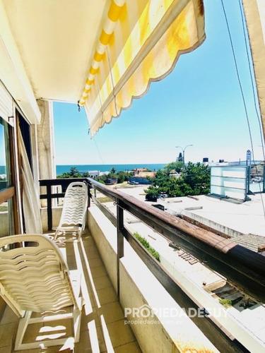 Apartamento Con Vista Al Mar De 1 Dorm. Playa Mansa, Punta Del Este- Ref: 806
