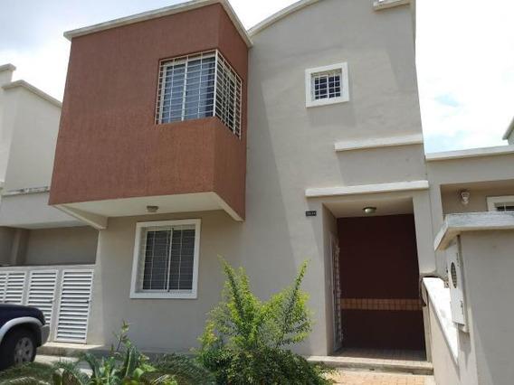 Casa En Venta En Ciudad Roca 19-11746 Rb