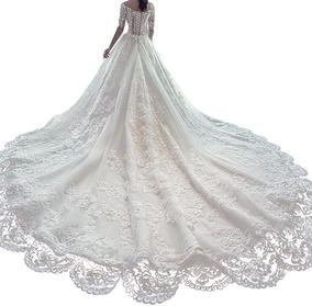 Vestido De Noiva Princesa Rendado Decote Canoa Com Cauda 12